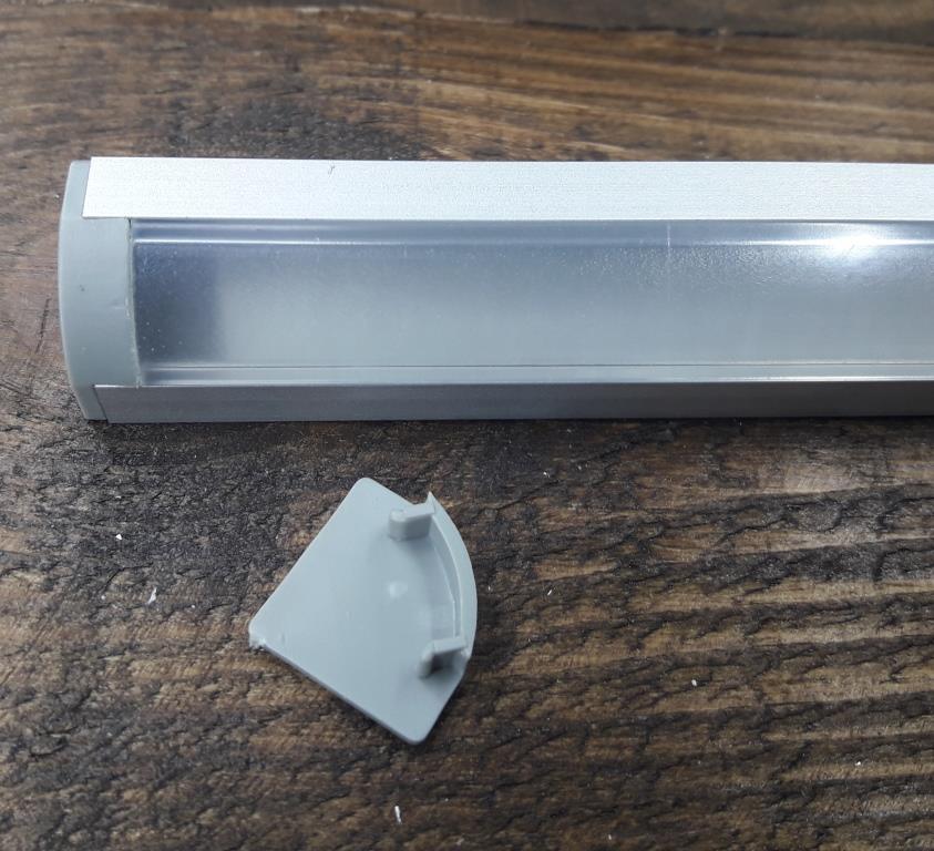 Светодиодный профиль угловой ЛПУ17 анод. Комплект профиль+рассеиватель прозрачный 2мп+2заглушки