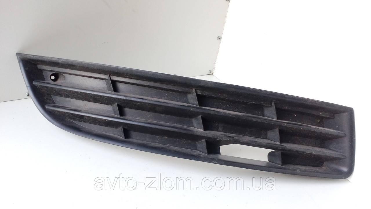 Решетка бампера правая Volkswagen Passat B6, Пассат Б6. 3С0853666.