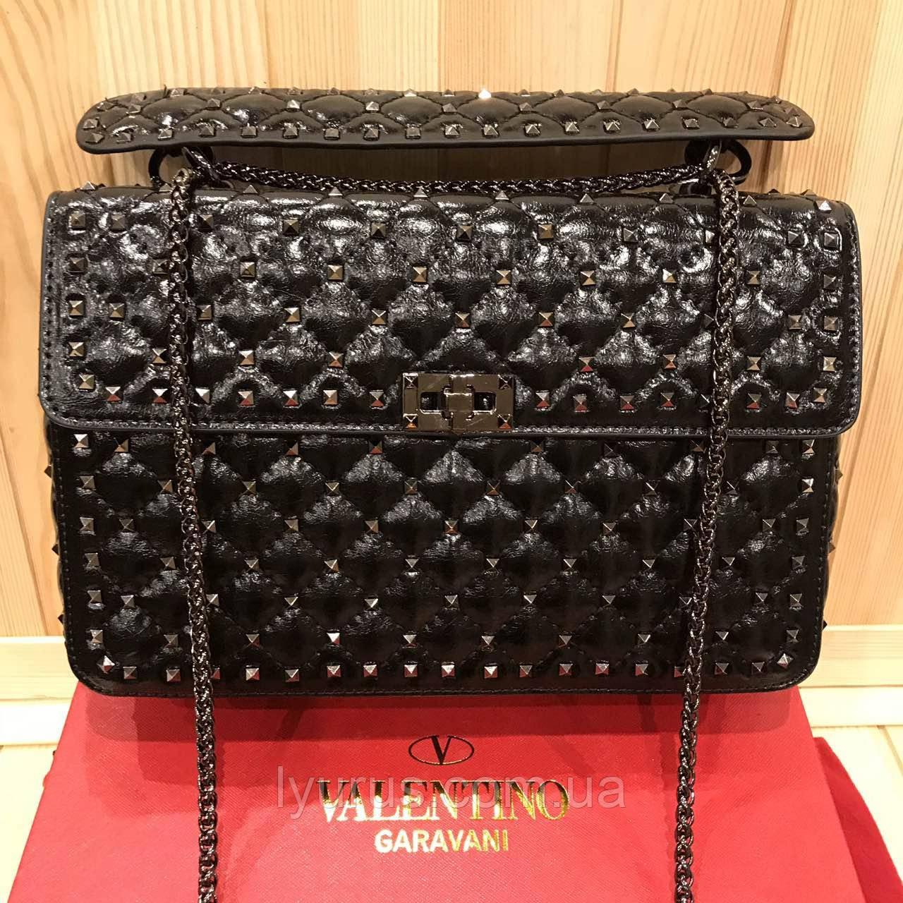 Женская кожаная сумка Valentino Garavani Rockstud Spike  large