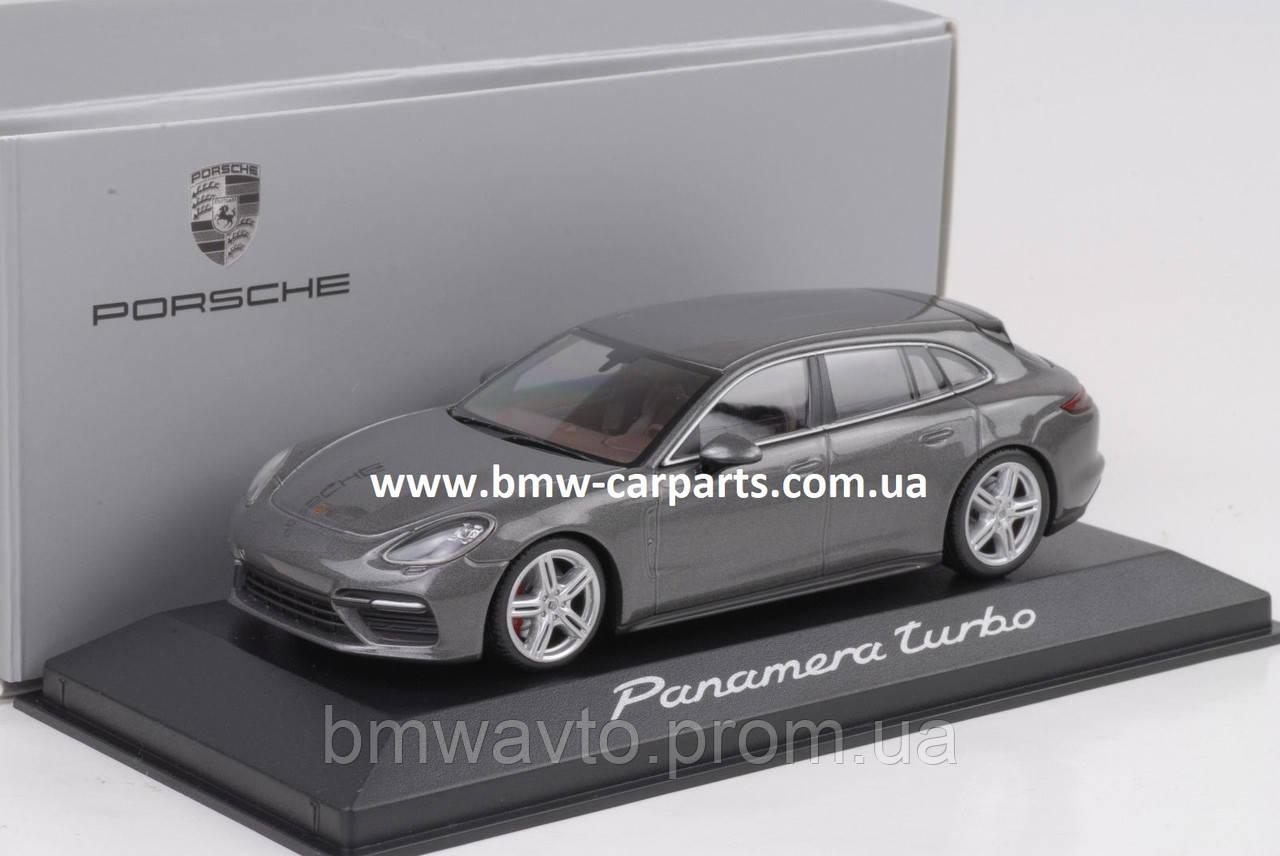 Модель автомобиля Porsche Panamera Sport Turismo Turbo, Scale 1:43
