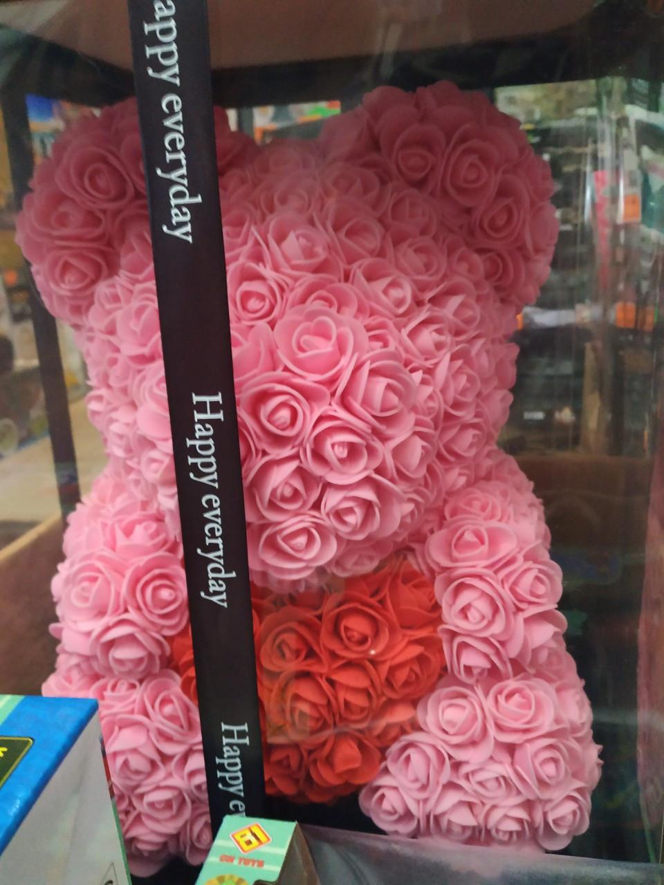 Невероятно милый мишка из роз 40 см с сердцем