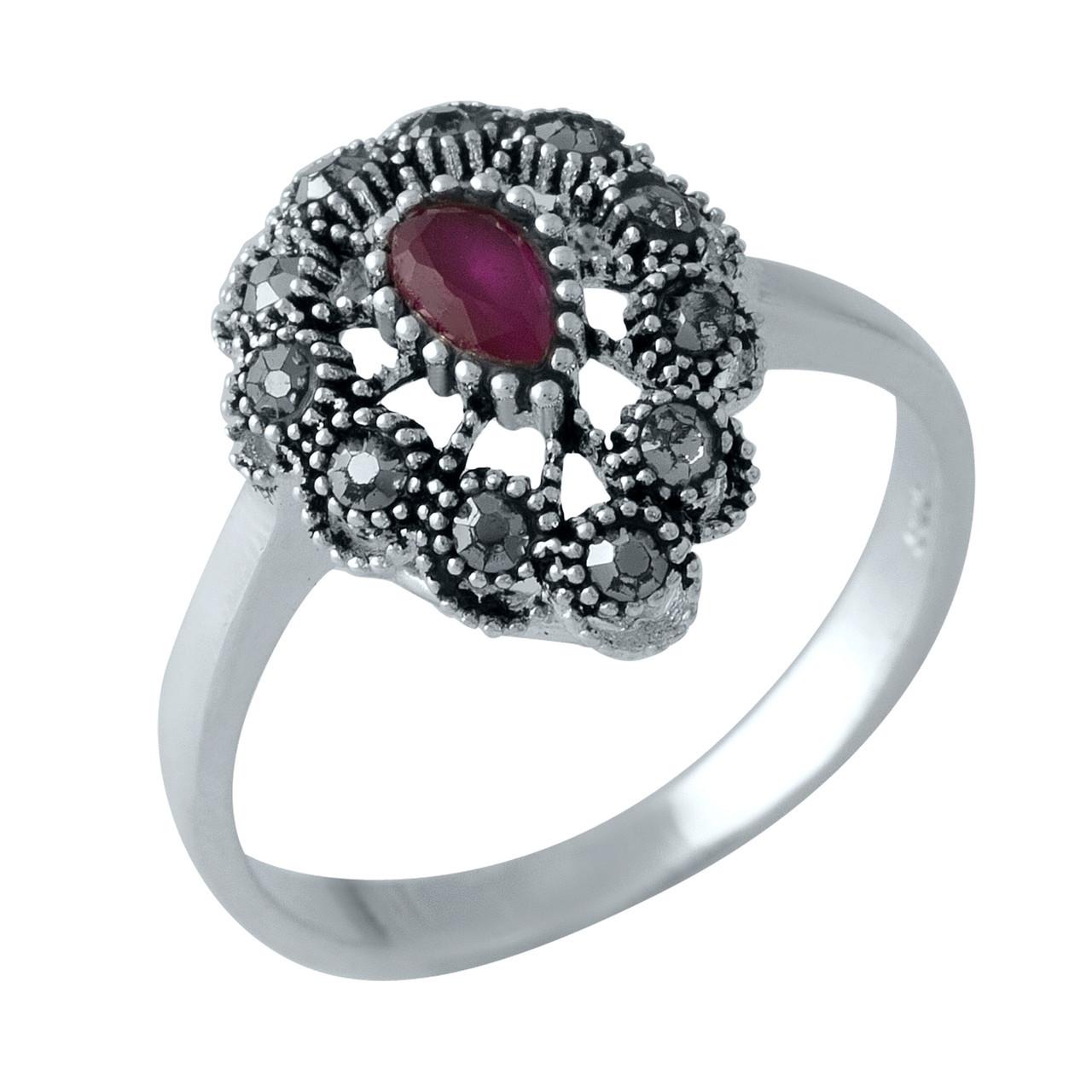 Родированное серебряное кольцо 925 пробы с натуральными марказитами, рубином nano