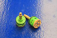 Картридж в смеситель для душевой кабины на три ( 3 ) положения, 33 мм диаметром, с латунным штоком