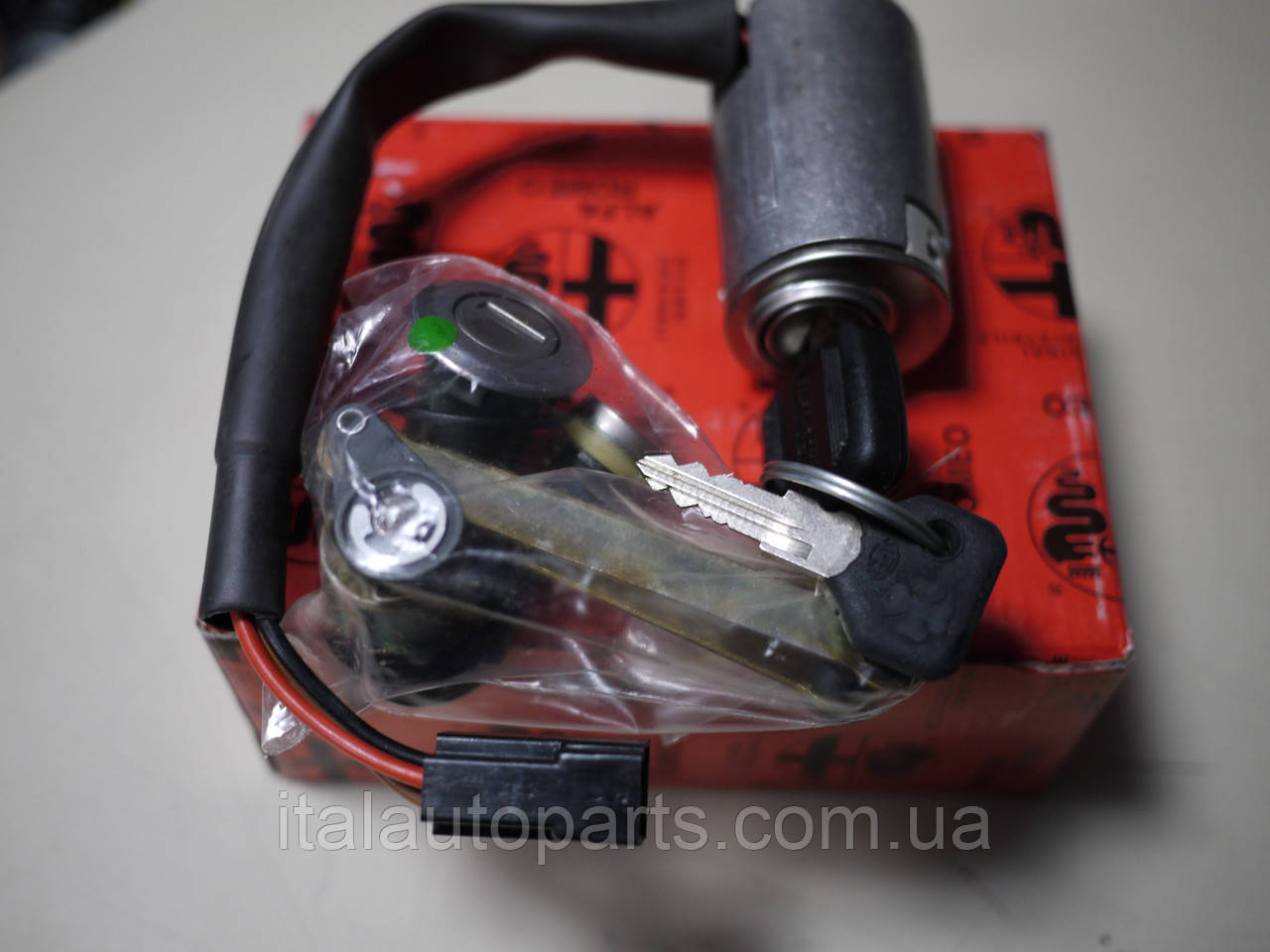 Замок зажигания Alfa Romeo 33, 75