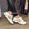 Стильные женские кожаные кроссовки на шнуровке, декорированы пайетками, фото 3