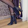 Ботинки зимние на высоком устойчивом каблуке, декорированы резинкой, цвет синий, фото 6