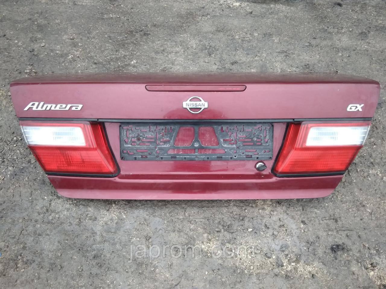 Крышка багажника Nissan Almera N15 1995-2000г.в. седан вишня