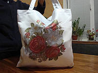 """Пошитая сумка под вышивку """"Розы и лилии"""" белая"""