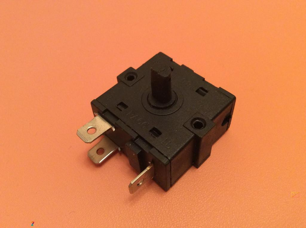 Переключатель мощности на 3 выхода (контакты 3+0) / 16A / 250V для обогревателей, электрокаминов Китай