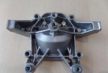 Кришка картера мотокоси Oleo-Mac Sparta 25 (розбирання)