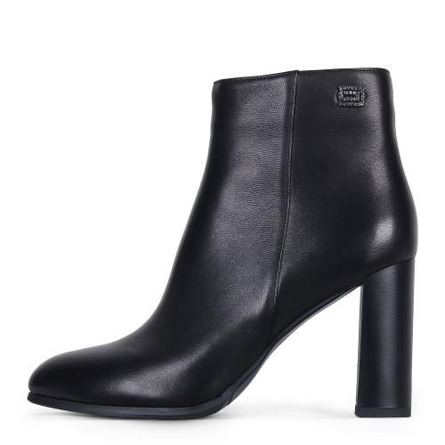 Стильные демисезонные женские ботинки ANGELO