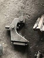 Подвижный люнет токарно станка TOS SV 18RA