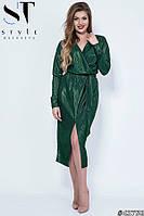 Вечернее платье из блестящей ткани