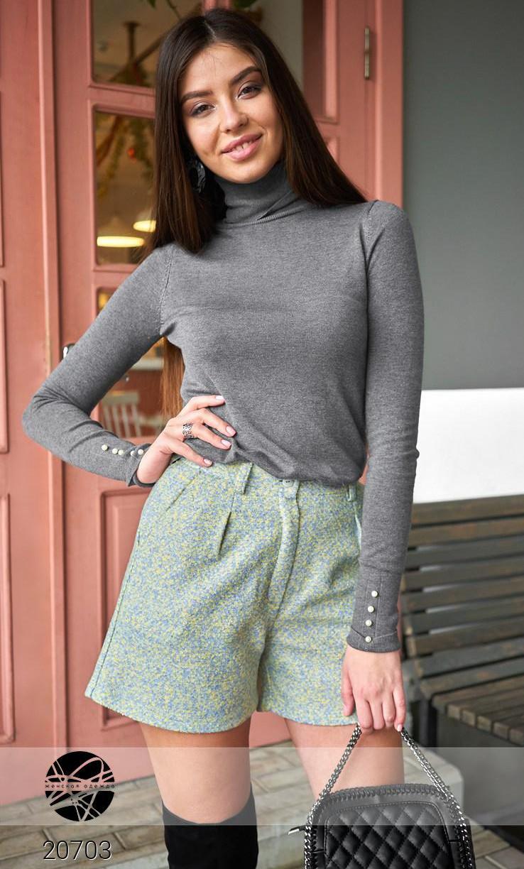Женские шорты из фактурного букле. Модель 20703. Размеры 42-48