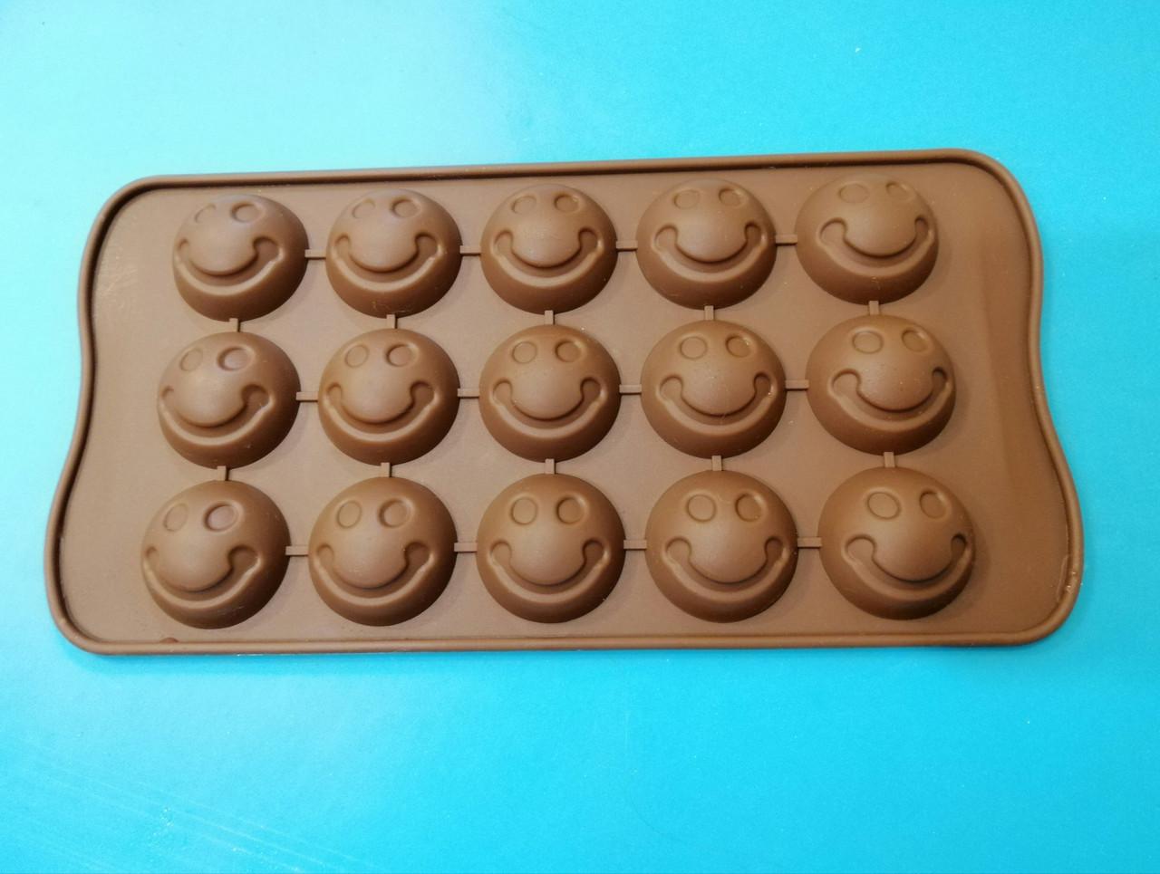 Форма силиконовая для конфет Смайлики