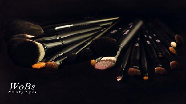 Профессиональные кисти для макияжа Wobs (серия Smoky)
