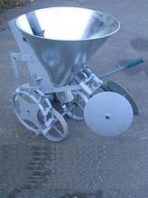 Картофелесажалка Ярило с бункером для удобрений оцинкованая с тракнспортировочными колёсами