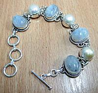 Нежный браслет с натуральным лунным камнем  и жемчугом  от студии  LadyStyle.Biz