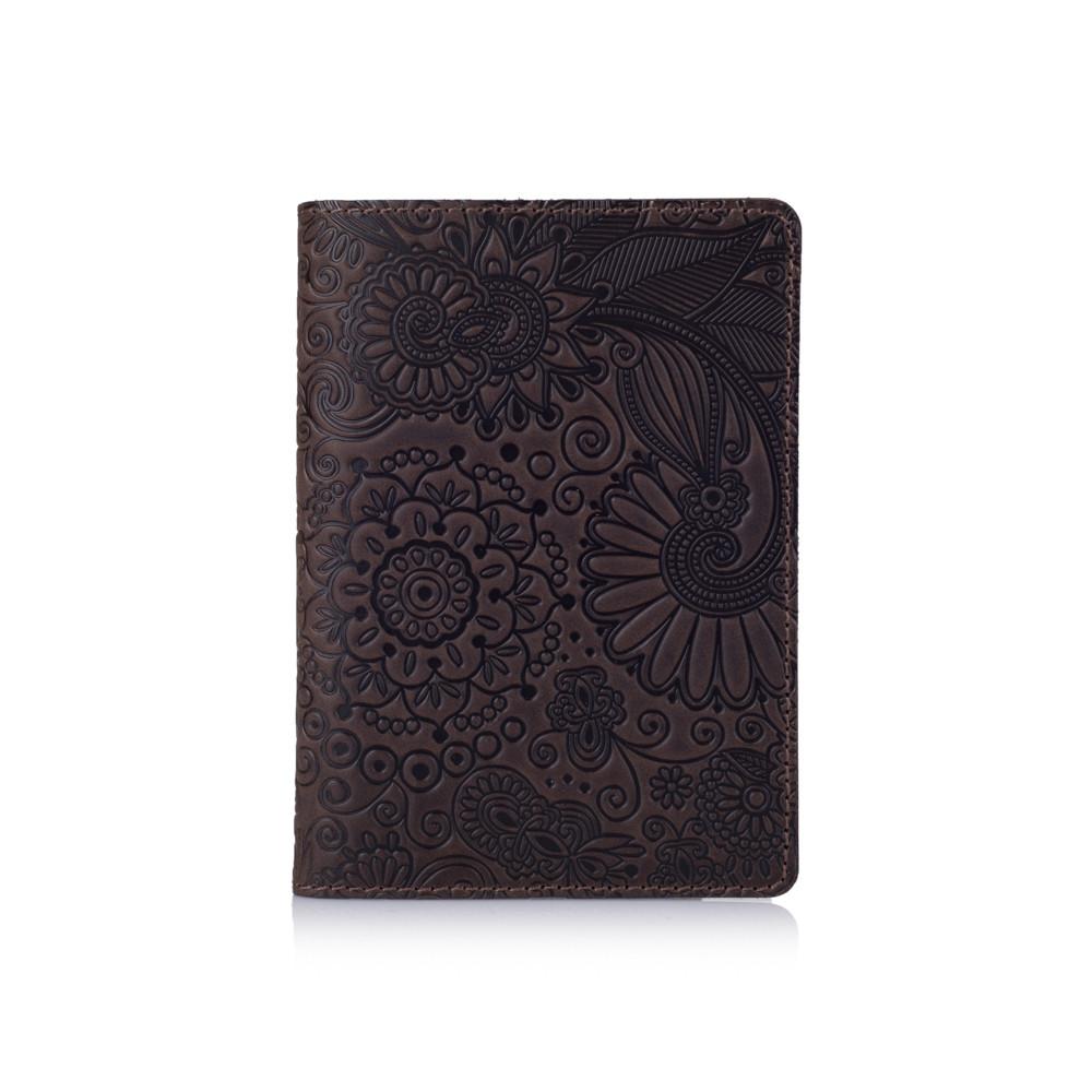 Оригинальная кожаная зеленая обложка для паспорта с художественным тиснением и отделением под банковские карты