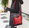 Женская красная сумка с брелком, фото 2