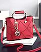 Женская красная сумка с брелком, фото 3