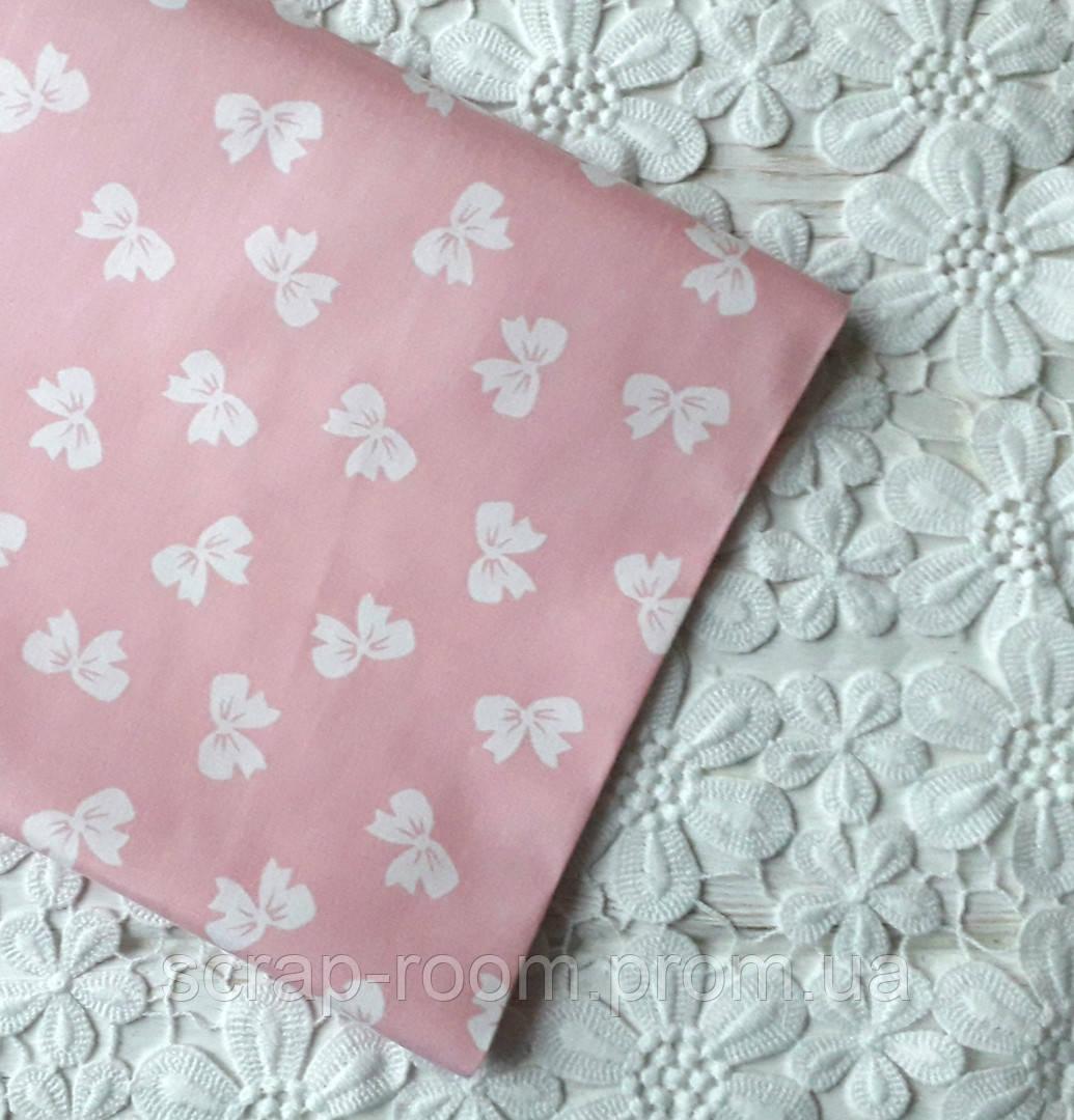 Ткань хлопок 100% персиковая с белыми бантиками , цветочный хлопок, Корея отрез 20 на 50 см