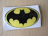 Наклейка s силиконовая супергерой Batman 90х57х1.2мм желтая овал Человек летучая мышь Бэтмен Бетман на авто  , фото 3