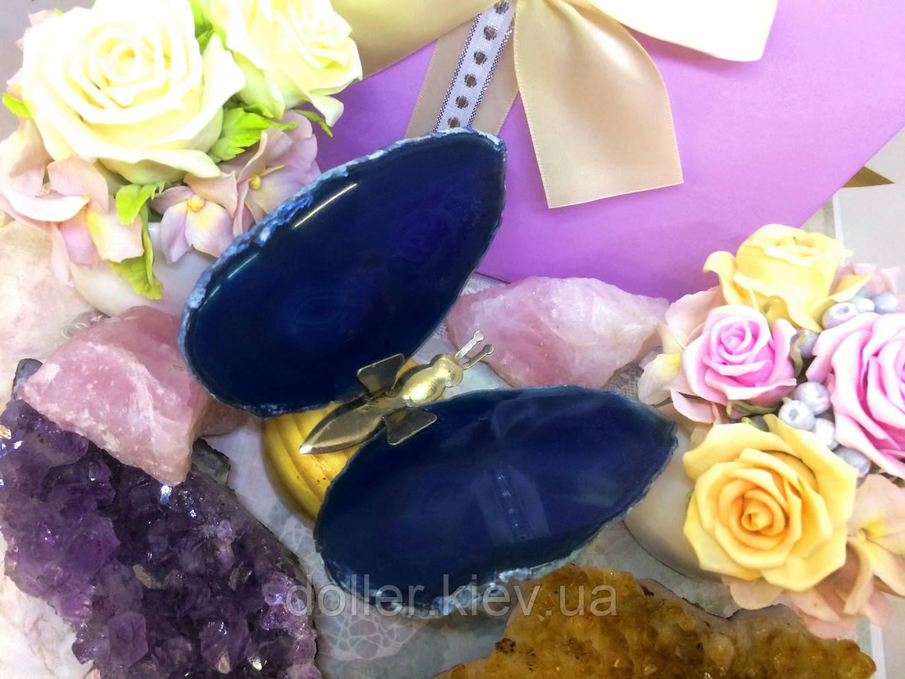 Бабочка синяя из агата на подставке №1