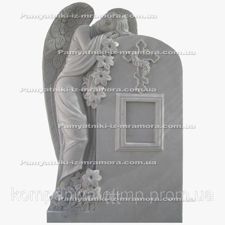 Мраморный памятник с ангелом и цветами №16