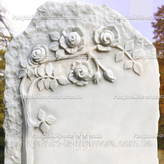 Мраморный памятник с розами №19