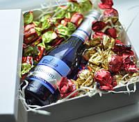 Подарок девушке женщинеМаме Lady in red