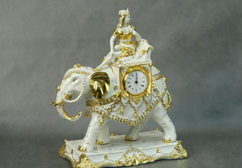 """Часы """"Слон с Девушкой"""" (282-005)"""