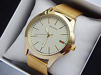 Кварцевые наручные часы GUCCI золотого цвета, кольчужный браслет, с датой, фото 1