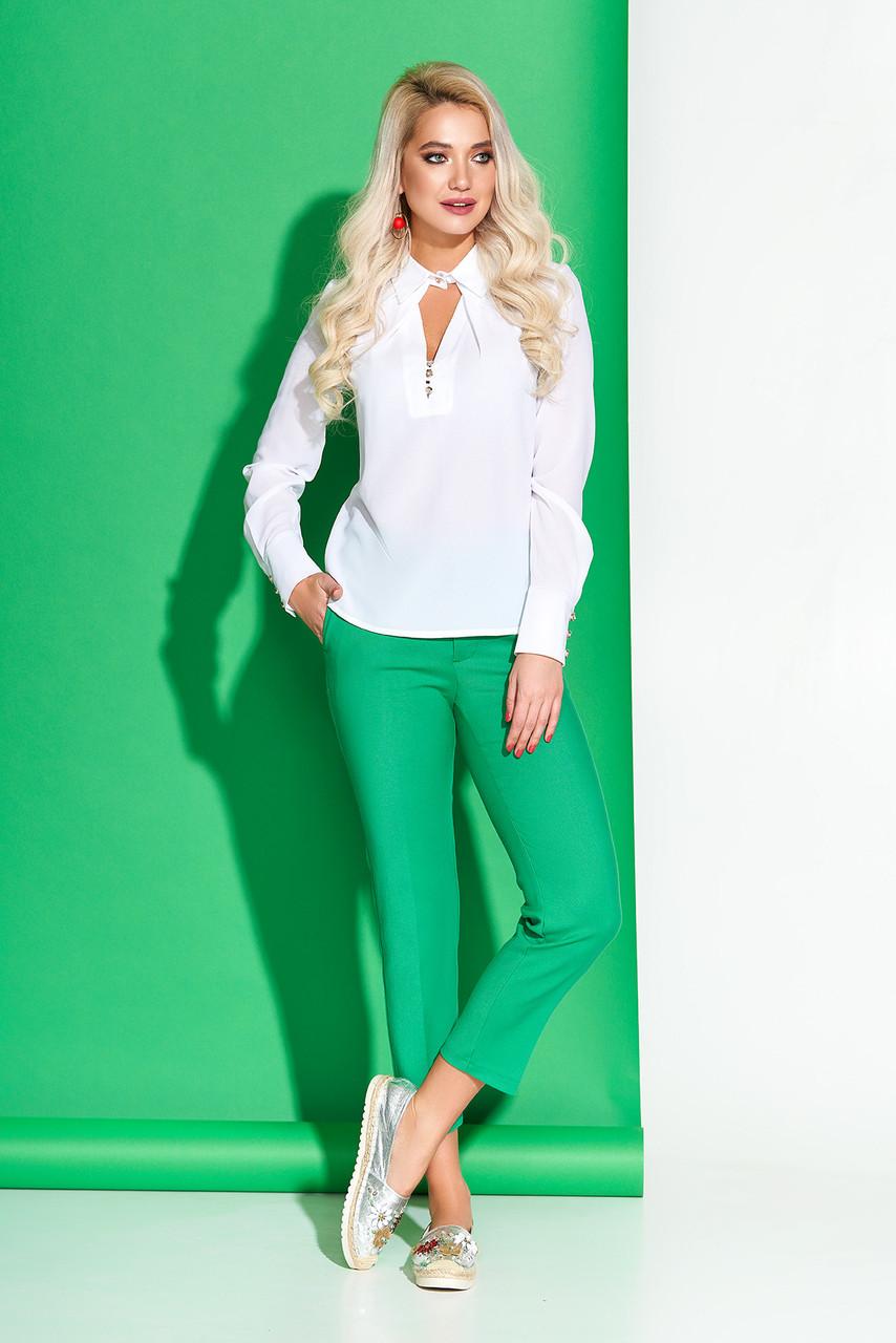 Белая блузка шифоновая модная с отложным воротником
