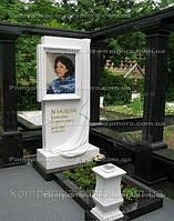 Мраморный памятник  с цветным фото №40