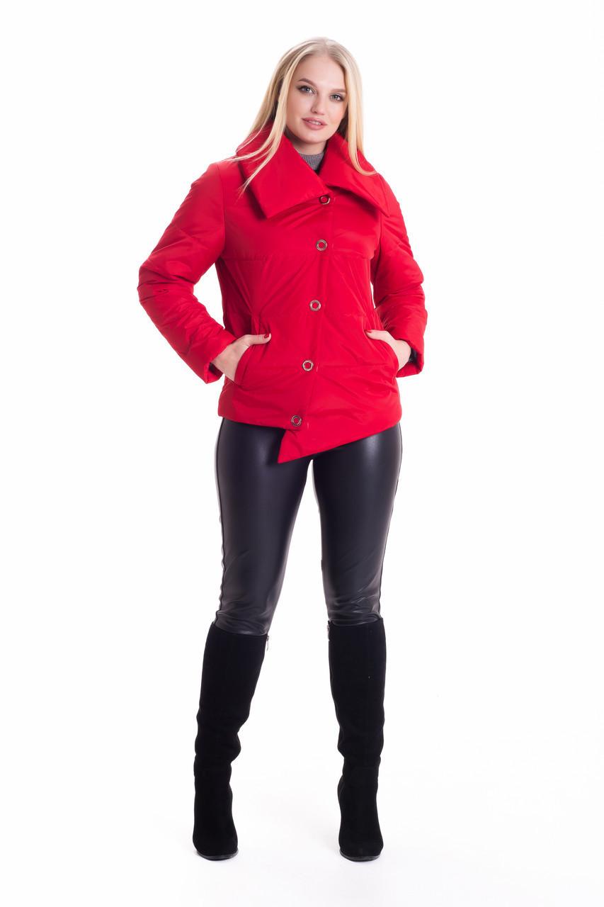 Красная женская асимметричная куртка деми