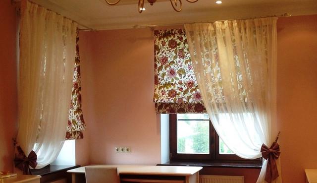 Если вас интересует, что представляют из себя римские шторы, и как их можно изготовить собственноручно, данный материал – как раз то, что вам нужно.