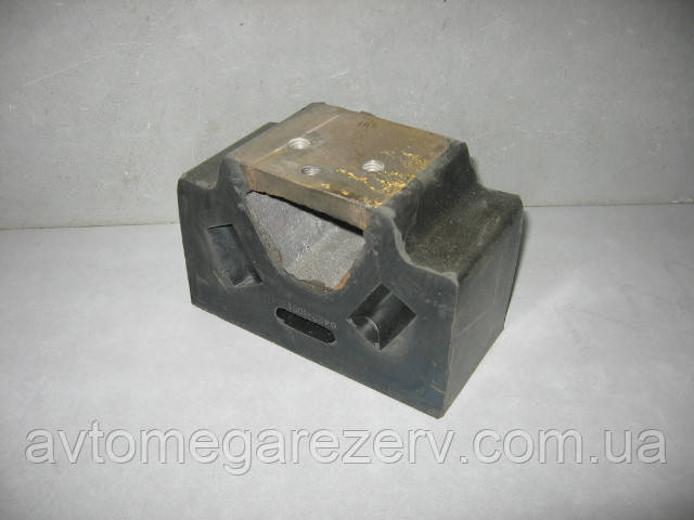Подушка опори двигуна бічна (без штифта) 6422-1001034 МАЗ