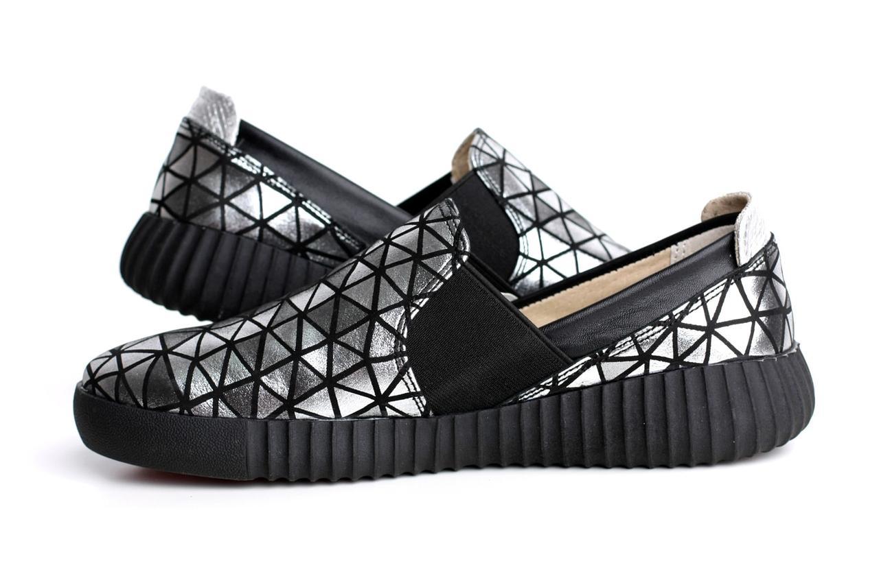 Слипоны мокасины черные кожаные женская обувь больших размеров Sei stupenda Silveri BS Rosso Avangard