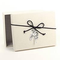 Подарочная коробка с аппликацией «Веточка» 15.5 x 12.5 x 4 см