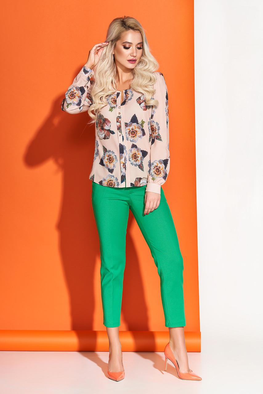 Модная блузка с принтом бежевая