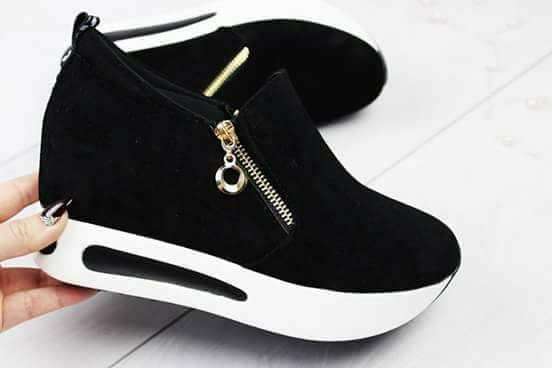 Снікерси кросівки чорні   продажа 06ff730ef4e7a