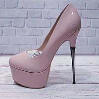 Туфли женские реплика Лабутен черная замша и пудра код 323