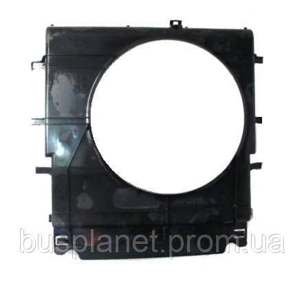 Диффузор радиатора (OM651)