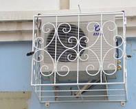 Решетка для кондиционера с элементами ковки