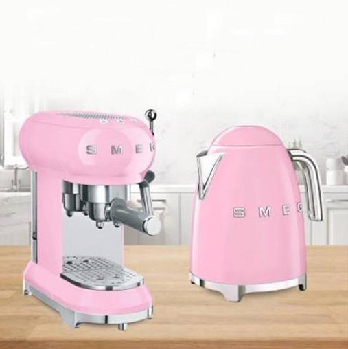 Комплект электрический чайник Smeg 1,7 л KLF03P + кофемашина Smeg ECF01