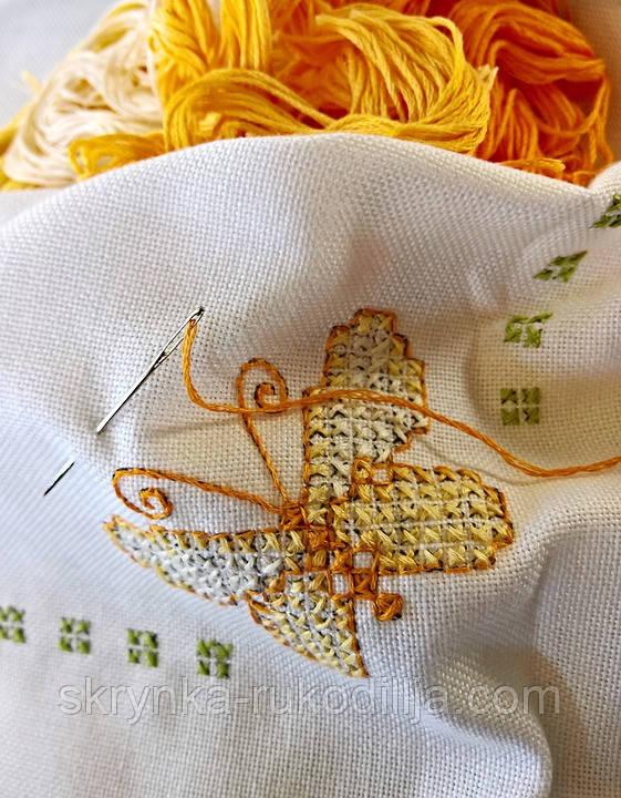 вишивка метелика хрестиком