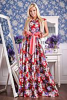Длинное женское платье из шелка