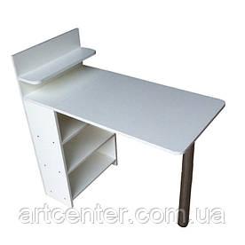Компактний стіл для манікюру з відкритими полицями в тумбі