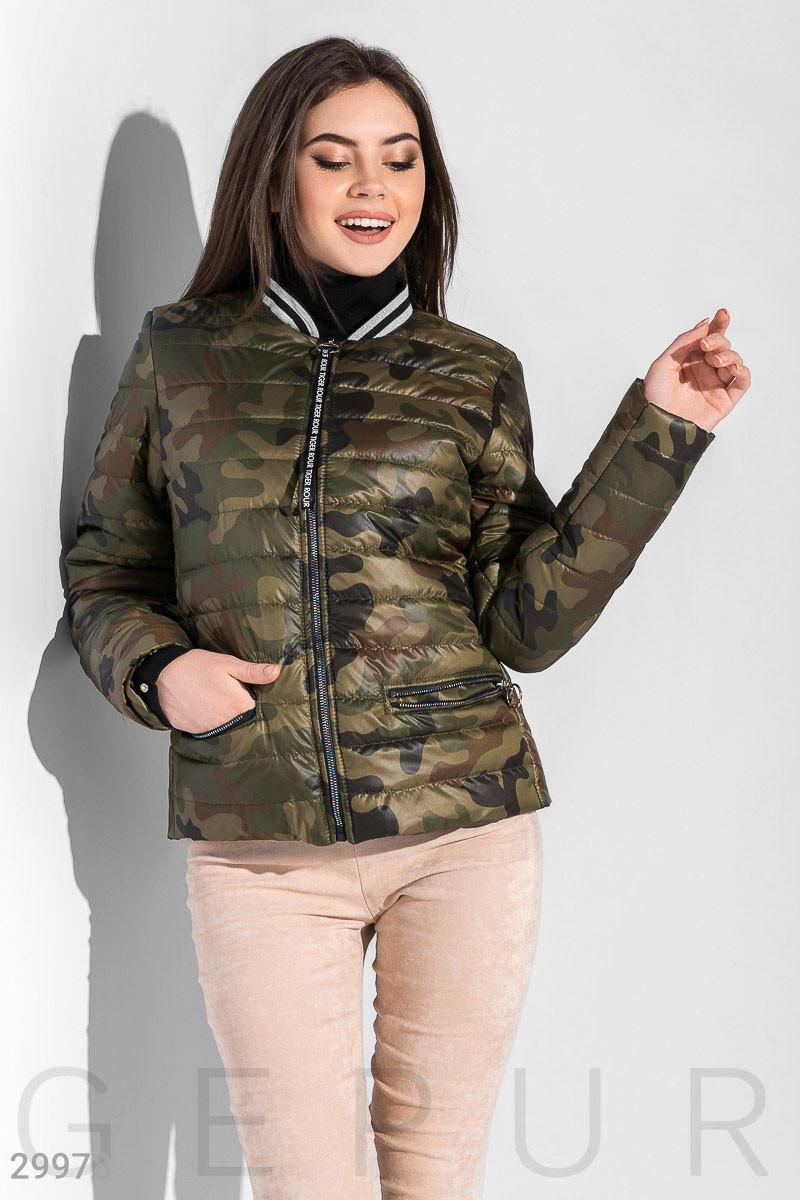 Женская куртка на синтепоне в стиле милитари